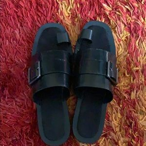 Zara black leather toe sandals with buckle